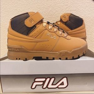 FILA USA F-13 Weather Tech Sneaker (Big Kid)